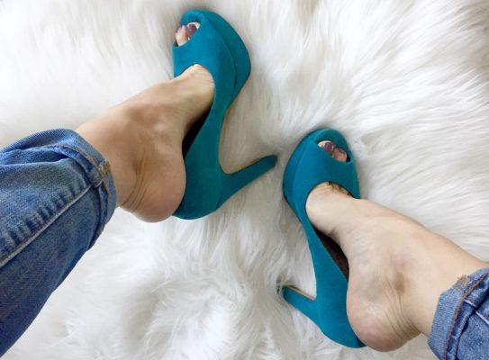 cara meregangkan sepatu kekecilan