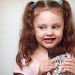 Ternyata Mengonsumsi Cokelat Ada Baiknya untuk Kesehatan Anak