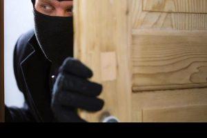 melindungi rumah dari pencuri